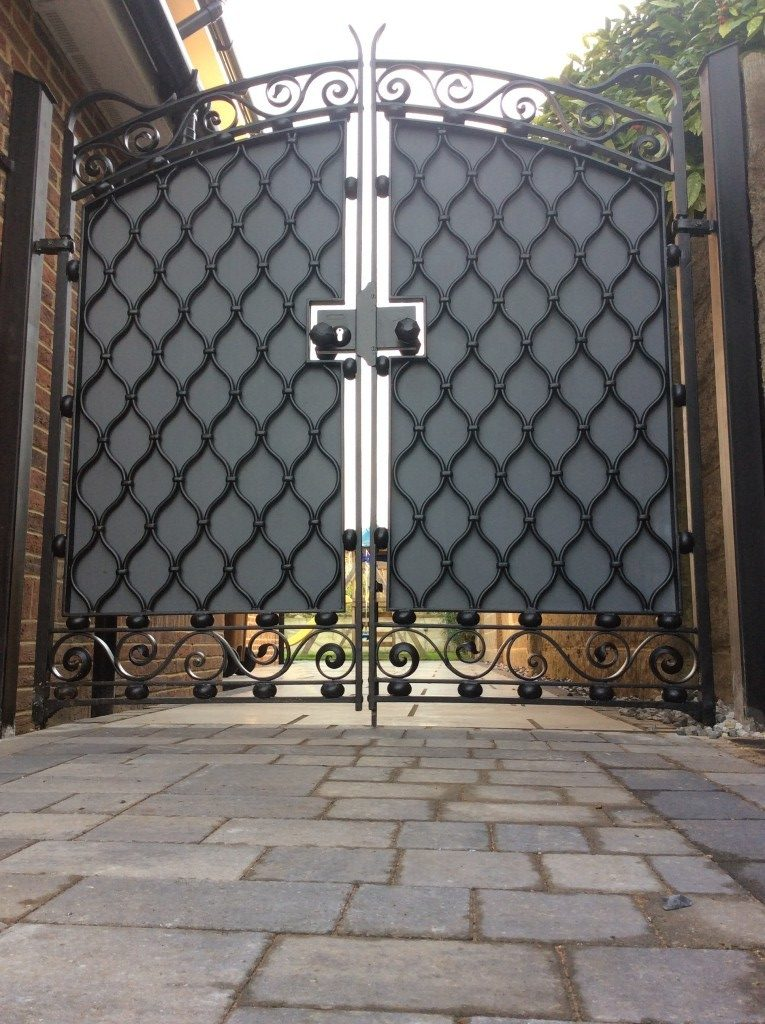 contemporary ironwork gates - made bespoke for a Kent client