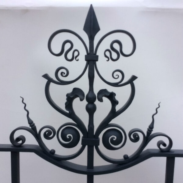 Artistic contemporary ironwork railings - Sussex