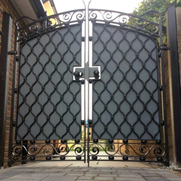 Electronic Iron Gates - London Blacksmith, Portfolio